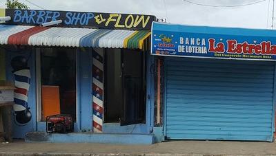 Local Comercial Ideal. Cafetera Peluquera. Butique. Oficina