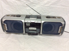 - Rádio Boombox Akai - Funciona Tudo Cd Tape E Radio- 80´s