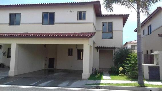 Casa En Venta En Panama Pacifico. Woodlands. 20-267hel**