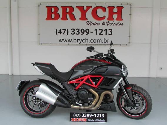Ducati Diavel 1198 Carbon Abs 12.492km 2013 R$49.900,00.
