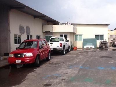 Oficinas Y Bodega En Lomas De Rio Medio