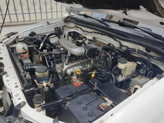 Toyota Hilux 4x4 Turbo Diésel