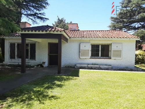 Casa Con 1000 Mts De Terreno Parquizado- Ref: 38081