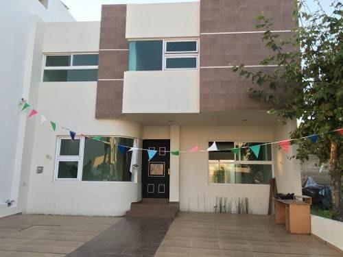 En Renta Casa Dentro De Coto Privado Con Club Deportivo Y Social En El Fraccionamiento Valle Imperial