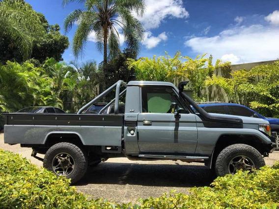 Toyota Macho Pick-up Hembrita