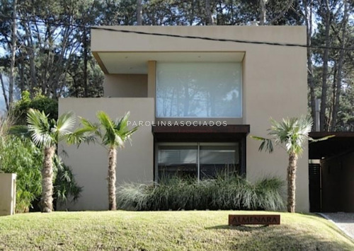 Casa En Venta Moderna Ubicada En Montoya- Ref: 3628