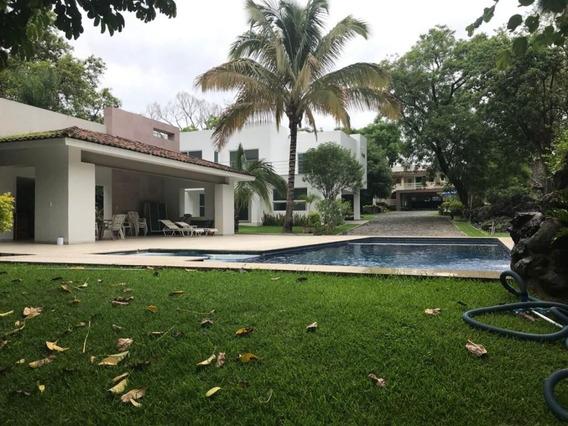 Casa Sola En Pedregal De Las Fuentes / Jiutepec - Est-1819-cs