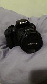Câmera Semiprofissional Canon - T5i