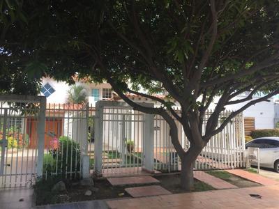 Venta De Casa Cerca Del Mar En Santa Marta.
