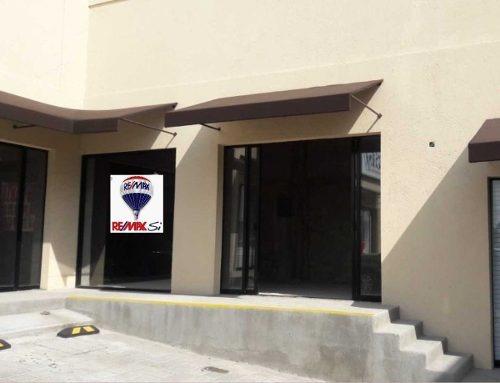 Local Renta Plaza Ikal, Prolongacion Bernardo Quintana, Cerrito Colorado