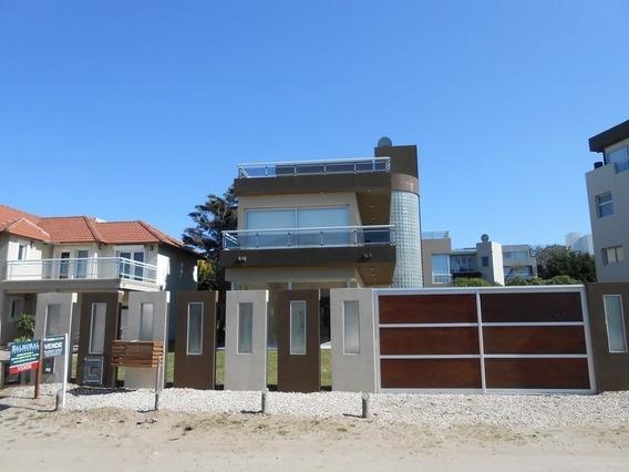 Casa De 4 Ambientes Con Piscina In-out Pinamar