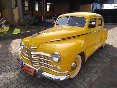 Imagem 1 de 13 de Plymouth 1947 - Amarelo 4 Portas - Funcionando
