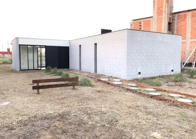 Dueño Vende Casa En Costa Del Este A Estrenar Terreno Propio