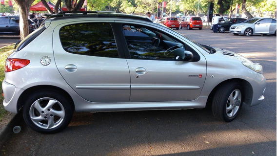 Vendo Peugeot-207 - 1.4 - Quiksilver - Flex - Lindo