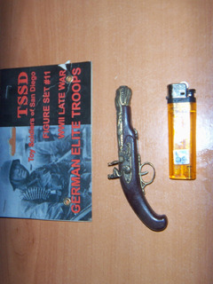 Pistolon Revolver Tipo Pedernal, Miniatura Metal, Coleccion
