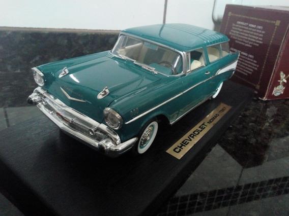 Chevrolet Nomad 1957 1:18