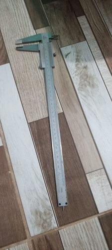 Imagem 1 de 3 de Paquímetro Analógico,300mm