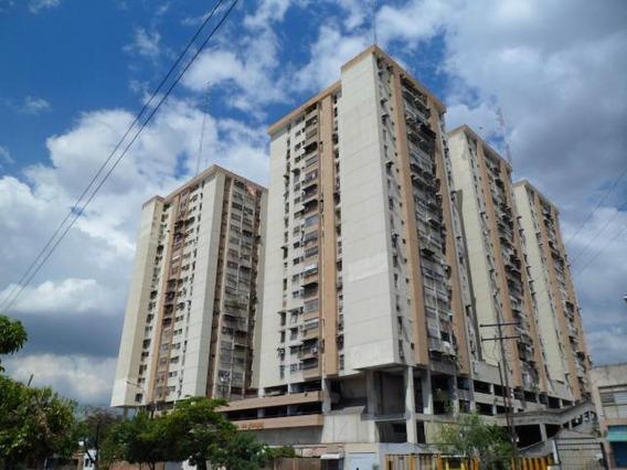 Apartamento En Venta Los Mangos - Maracay 20-11223hcc