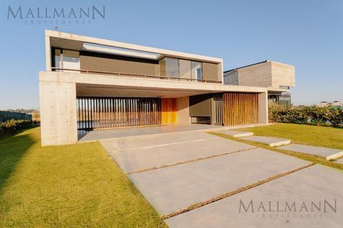 Imagen 1 de 29 de Excelente Casa A Estrenar En Lote Sobre Golf En Barrio La Calesa - Mallmann Propiedades