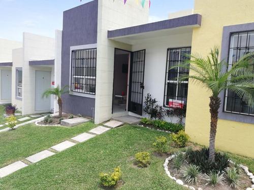 Casa De Un Nivel Con Alberca Morelos