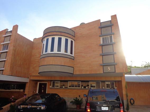 Casa En Venta Valles De Camoruco Lt 21-536