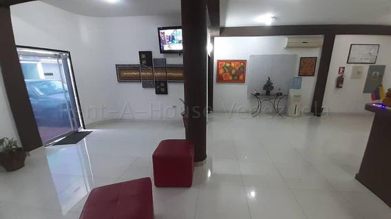 Hotel En Venta Barquisimeto Centro 20-7462 Rbw