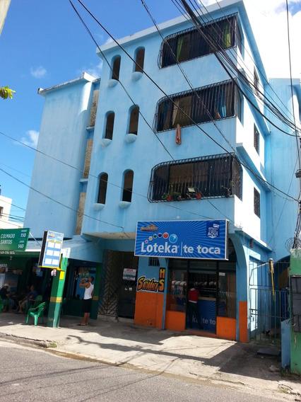 Edificio De 4 Pisos Cerca De La Carretera Mella