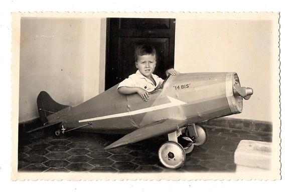 Fotografia Antiga Menino Com Avião Pedal Car - Anos 40
