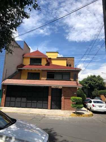 En Renta Preciosa Casa En Fraccionamiento Hacienda San Juan