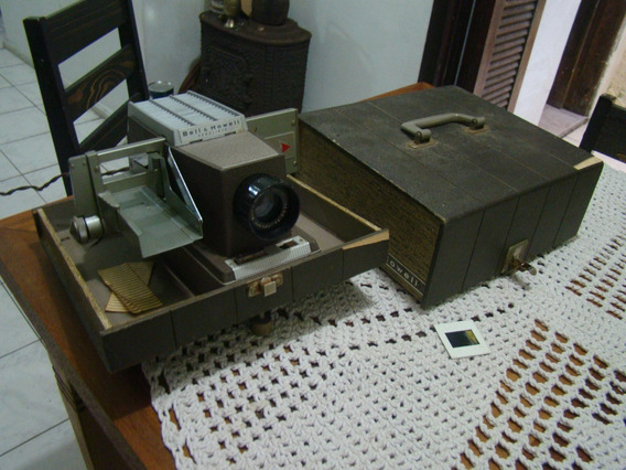 Antigo Projetor De Slides Bell & Howell