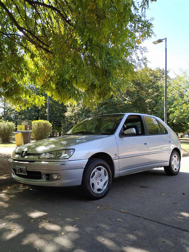 Peugeot 306 1.8 Boreal 2002