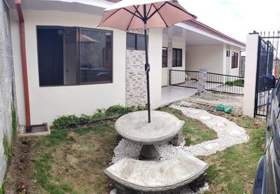 Casa Nueva 3 Cuartos, 2 Cocheras, Zona Verde