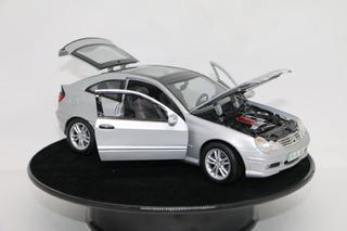 Miniatura Mercedes Benz Klasse Sportcoupe Prata Maisto 1/18