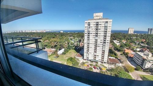 Apartamento Sobre Avenida Roosevelt Con Vista Al Mar- Ref: 23633