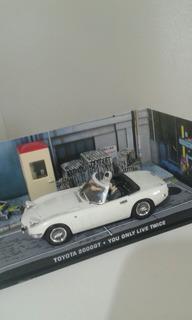 Carro 007 Toyota Diorama