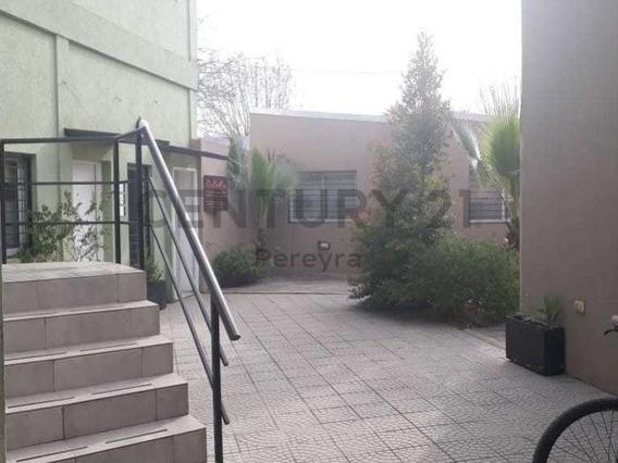 Plaza Belgrano. Dos Oficinas En Alquiler Apta Profesionales.