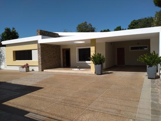 Hermosa Casa En La Floresta 04144445658