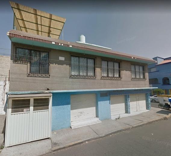 Oportunidad De Inversión Casa Con Locales Comerciales En Esquina