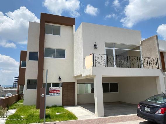 Casa En Renta En El Refugio, Queretaro, Rah-mx-20-3531