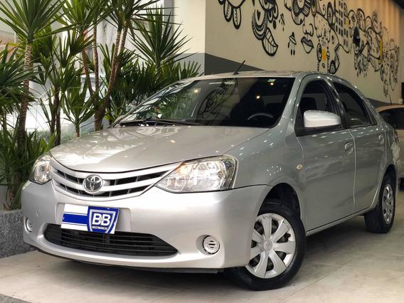 Toyota Etios Sedan Xls 1.5 2014 Completo