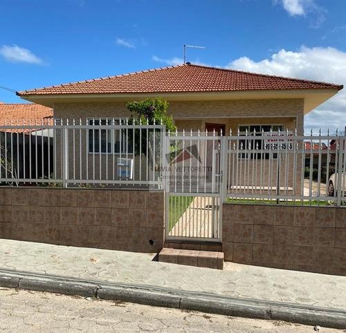 Casa A Venda No Bairro Ingleses Do Rio Vermelho Em - 4140-1