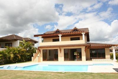 Hermosa Villa En Casa De Campo Con Vista Al Mar