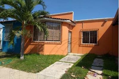 Casas En Venta En Las Camelinas, Manzanillo