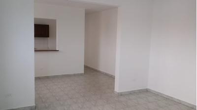 Apartamento De 4 Habitaciones En Gazcue