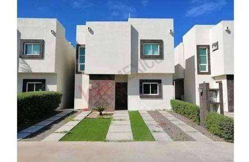 Casa En Renta En Privada Residencial Los Tamarindos