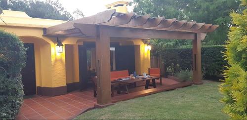 Pinares Casa Con Piscina Espectacular