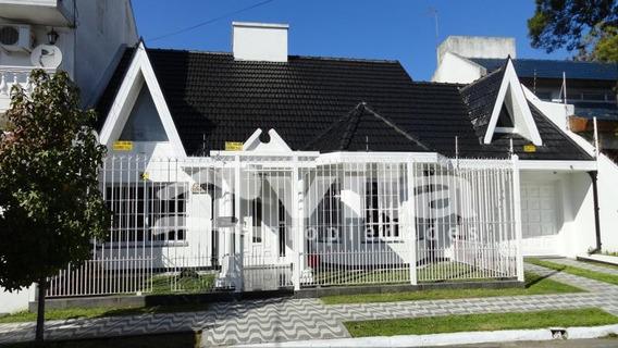 Casa En Venta En Circ 1° Sec 1°