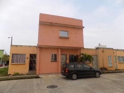 Casa En Venta, Fracc. Punta Caracol, Coatzacoalcos, Veracruz.