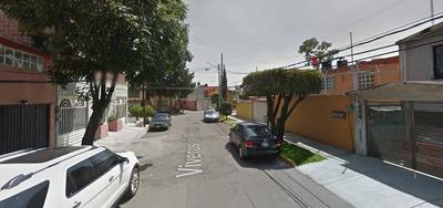 Excelente Ubicación De Casa En Viveros De La Loma