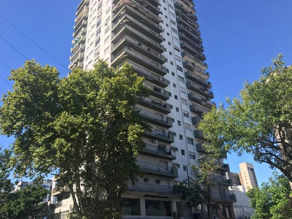 Departamento En Venta En La Plata   10 Esq. 49
